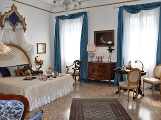 15th Century Palace Luxury Apartment - City of Venice vacation rentals