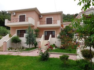 Bright 2 bedroom House in Vlicho with Internet Access - Vlicho vacation rentals
