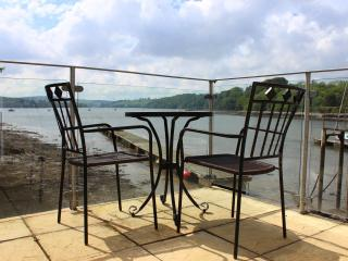 Charming 1 bedroom Boathouse in Galmpton - Galmpton vacation rentals