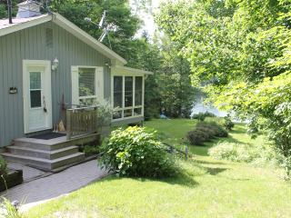 Restful Lakeside Cottage in Muskoka, Huntsville ON - Huntsville vacation rentals