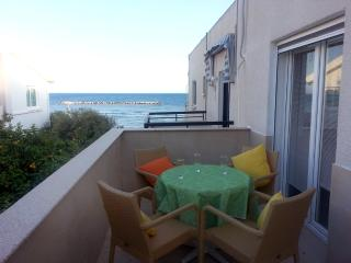 1 Bdrm Beach Apt Side Sea View Oroklini - Larnaca - Oroklini vacation rentals