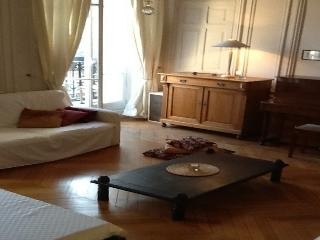 Nice Condo with Internet Access and Television - Versailles vacation rentals