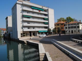 Bright 1 bedroom Vacation Rental in Portogruaro - Portogruaro vacation rentals
