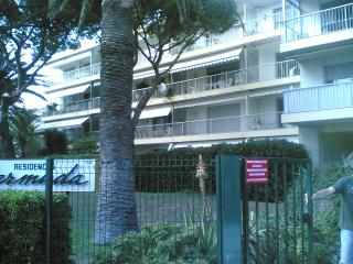 1 bedroom Apartment with Internet Access in Saint-Laurent du Var - Saint-Laurent du Var vacation rentals