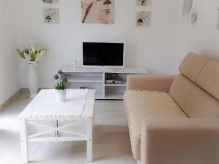 Apartmani Zdenka, app6/1 for up to 8 people - Pula vacation rentals