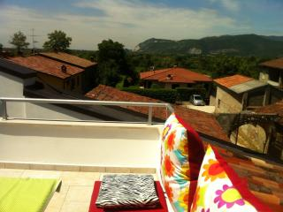 2 bedroom Bed and Breakfast with Internet Access in Bedizzole - Bedizzole vacation rentals