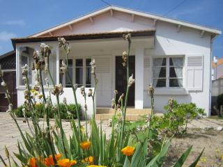 2 bedroom House with Short Breaks Allowed in La Faute sur Mer - La Faute sur Mer vacation rentals