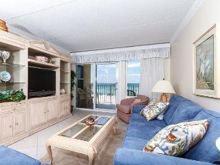 IE 3L: RIGHT ON BEACH, FREE BEACH CHAIRS, WIFI, MOVIES, GOLF and MORE! - Fort Walton Beach vacation rentals