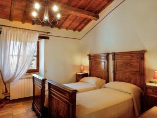 Marzolina:historic Villa for 4 in medieval village - Montemaggiore al Metauro vacation rentals