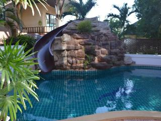 Luxury 3 bed pool villa on Pratumnak Hill, Pattaya - Pattaya vacation rentals