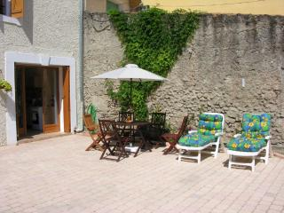 Cozy Villeneuve les Beziers Studio rental with Internet Access - Villeneuve les Beziers vacation rentals