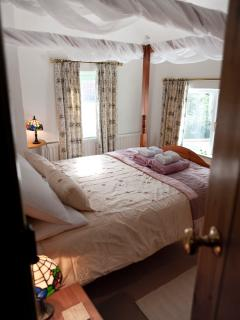 Beautiful Cottage with Dishwasher and Towels Provided - Little Stretton vacation rentals