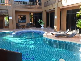 Luxury 3 bed pool villa on Pratumnak Hill, Pattaya - Pattaya vacation rentals