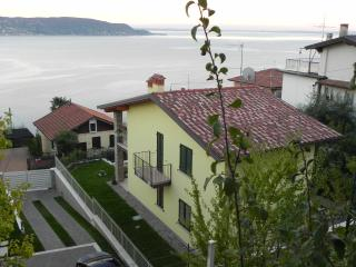 Cozy 2 bedroom Vacation Rental in Brescia - Brescia vacation rentals