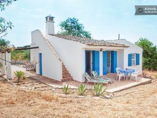 ALGARVE RURAL 2BEDROOM VILLA - Faro vacation rentals