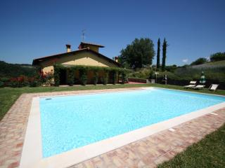 Spacious Farmhouse Barn with Internet Access and Cleaning Service - San Giovanni Valdarno vacation rentals