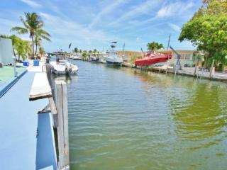 Seaside Haven ~ Waterfront with Dock and 2 Kayaks - Marathon vacation rentals