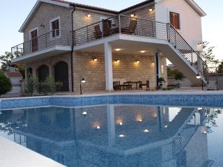Vila****for relax holiday with table tennis/soccer - Stomorska vacation rentals