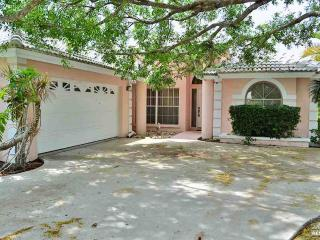 3 bedroom pool home in Berkshire Lakes with new tile - Ave Maria vacation rentals