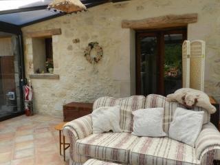 Le Grand Chemin-Champagne Room - Montcaret vacation rentals