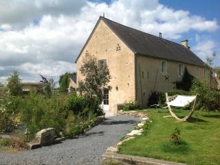Perfect Gite with Internet Access and Outdoor Dining Area - Saint Pierre du Mont vacation rentals