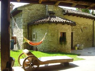Nice Watermill with Mountain Views and Parking - Fregona vacation rentals