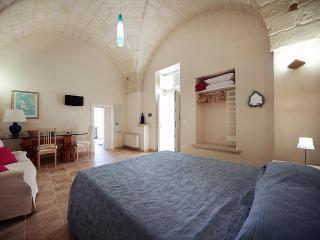 Guest House Salento Tana del Riccio - Suite Stella - Poggiardo vacation rentals