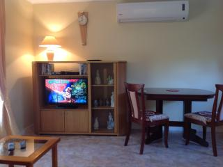 Nice House with Internet Access and Towels Provided - Canberra vacation rentals