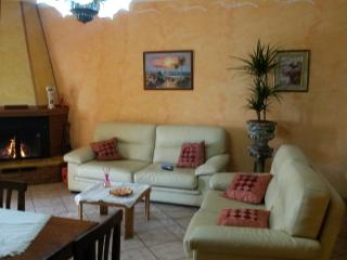 4 bedroom House with Internet Access in Falerna - Falerna vacation rentals
