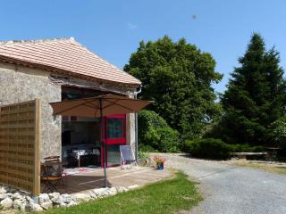 2 bedroom Gite with Internet Access in Dieulivol - Dieulivol vacation rentals