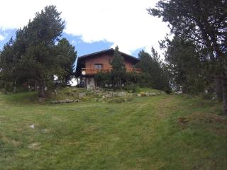 Nice Ski chalet with Washing Machine and Balcony - Les Angles vacation rentals
