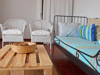 Sunny 1 bedroom Penthouse in Costa da Caparica with Internet Access - Costa da Caparica vacation rentals