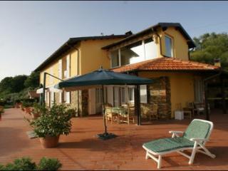Apartment Cherry Villa Riviera - Castelnuovo Magra vacation rentals