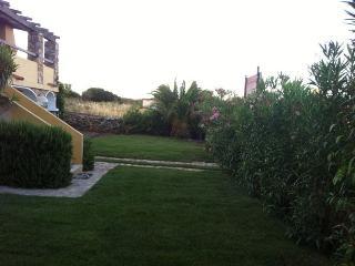 Stupenda Villa di 160 mt con Giardino - Golfo Aranci vacation rentals