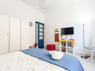 SWEET AND EASY GUEST HOUSE - Rome vacation rentals