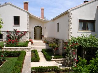 Charming Korcula Town Studio rental with Internet Access - Korcula Town vacation rentals
