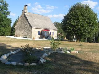 Romantic House with Television and Microwave - Argentat sur Dordogne vacation rentals