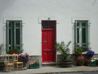 Lovely 2 bedroom Cottage in Carcassonne with Internet Access - Carcassonne vacation rentals