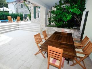 Perfect 3 bedroom Hvar House with Internet Access - Hvar vacation rentals