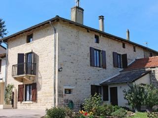 Gite l'ENTRE-DEUX Lyon Beaujolais à Lucenay - Villefranche-sur-Saône vacation rentals