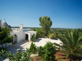 Trullo Alto: villa with wifi & aircon near Ostuni - Ostuni vacation rentals