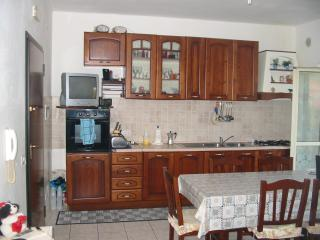 Cozy 3 bedroom House in Lamezia Terme with Parking - Lamezia Terme vacation rentals