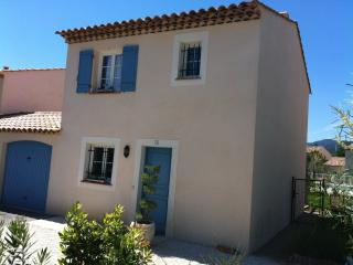 Nice House with Internet Access and Dishwasher - La Mole vacation rentals