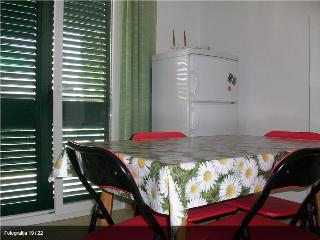 Spacious 4 bedroom Rogoznica House with Internet Access - Rogoznica vacation rentals