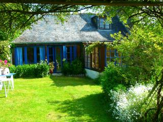 Perfect Cottage in Vergonnes with Grill, sleeps 4 - Vergonnes vacation rentals