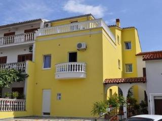 Private suites Pula 7932 1-room-suite - Pula vacation rentals
