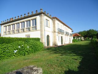 Nice Manour House - C.Luou R/C - Ponte do Lima vacation rentals