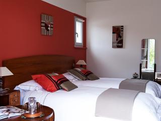 Chambre d'hôte grand lit avec douche - Arcangues vacation rentals