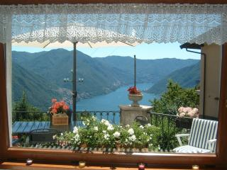 Beautiful Bed and Breakfast with Internet Access and Balcony - Pigra vacation rentals