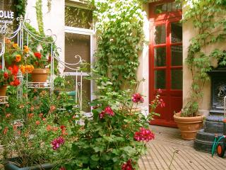 Nice 1 bedroom Bed and Breakfast in Vincennes - Vincennes vacation rentals